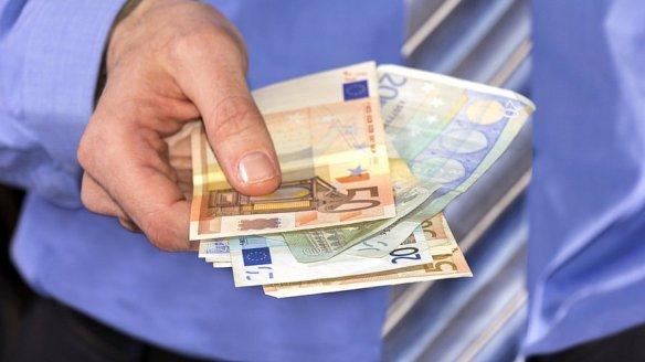 revenu-universel-france-conseil-national-du-numerique-une